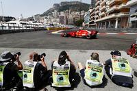 I fotografi fotografano Sebastian Vettel, Ferrari SF71H