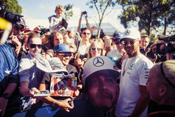 Льюіс Хемілтон, Mercedes-Benz F1, уболівальники