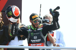 Podium: winnaar Tom Sykes, Kawasaki Racing