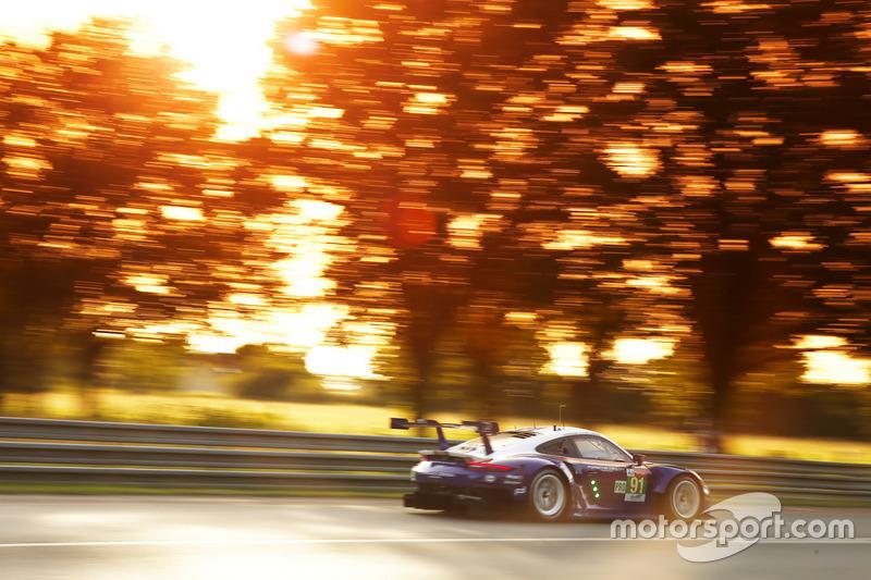 31: (GTE Pro pole) #91 Porsche GT Team Porsche 911 RSR: Richard Lietz, Gianmaria Bruni, Frédéric Makowiecki, 3'47.504
