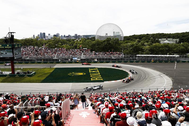 Valtteri Bottas, Mercedes AMG F1 W09, leads Max Verstappen, Red Bull Racing RB14, Lewis Hamilton, Me