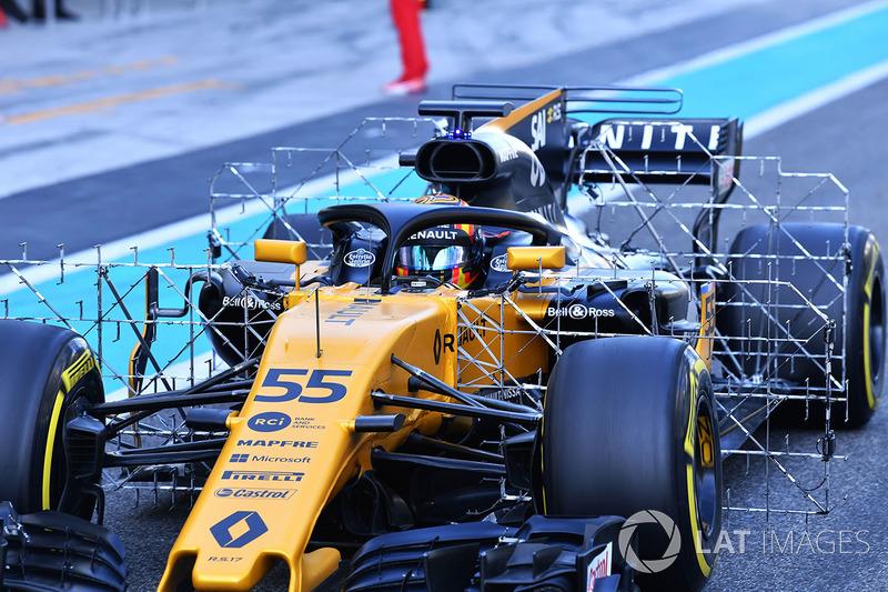 Carlos Sainz Jr., Renault Sport F1 Team RS17 with aero sensors
