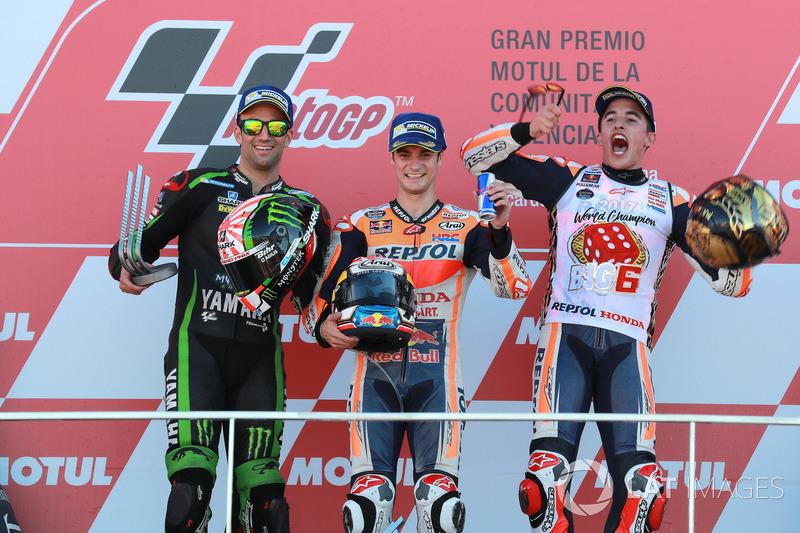 2017. Педроса перемагає у гонці у Валенсії Жоанна Зарко на Yamaha та свого товариша по команді Honda Марка Маркеса.