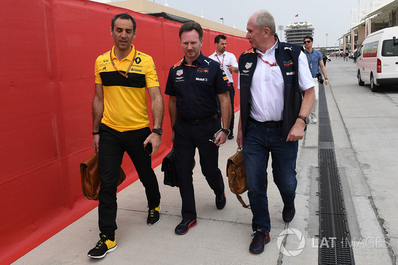 Cyril Abiteboul, Director General de Renault Sport F1, Christian Horner, Director del equipo Red Bull Racing y Dr. Helmut Marko, Consultor de Red Bull Motorsport