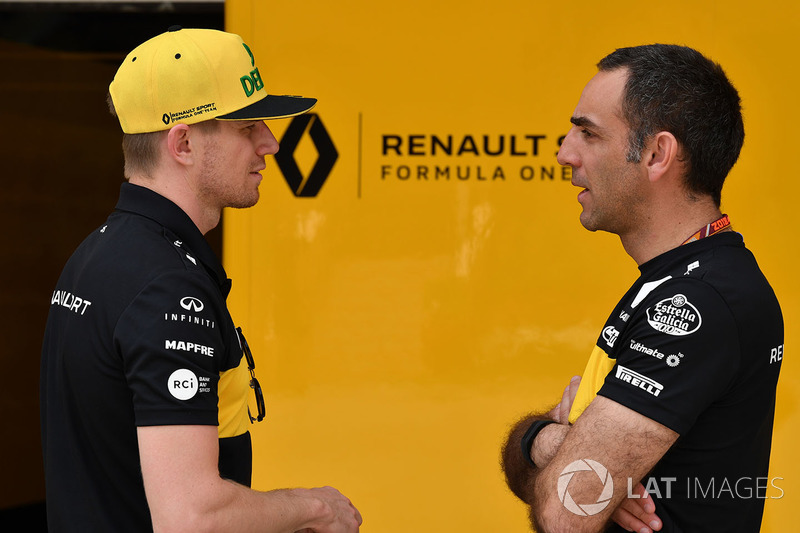 Nico Hulkenberg, Renault Sport F1 Team and Cyril Abiteboul, Renault Sport F1 Managing Director