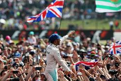 Yarış galibiLewis Hamilton, Mercedes AMG F1 ve taraftarlar