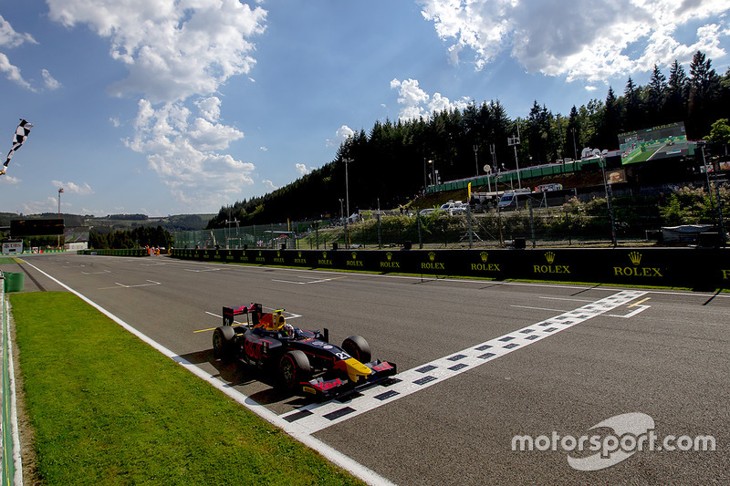 Pierre Gasly, PREMA Racing takes the win