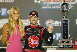 Race winner Austin Dillon, Richard Childress Racing Chevrolet with fiancée Whitney Ward