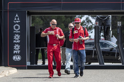 Kimi Raikkonen, Ferrari with his trainer Mark Arnall