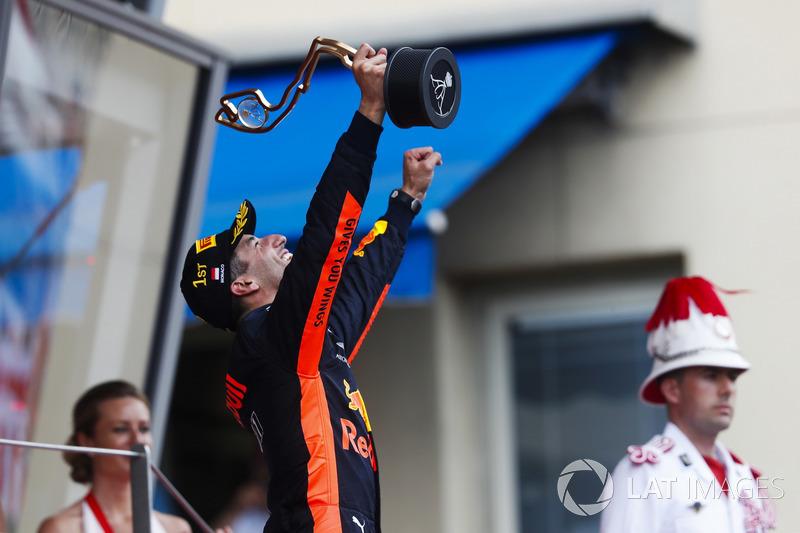 Podio: il vincitore della gara Daniel Ricciardo, Red Bull Racing