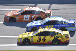 Daniel Suarez, Joe Gibbs Racing, Toyota Camry ARRIS, Ricky Stenhouse Jr., Roush Fenway Racing, Ford Fusion Fifth Third Bank, Michael McDowell, Front Row Motorsports, Ford Fusion Love's Travel Stops / Roller Bites