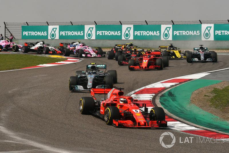 Sebastian Vettel, Ferrari SF71H mène au départ