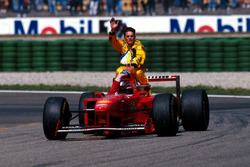 Michael Schumacher, Ferrari ramène Giancarlo Fisichella, Jordan