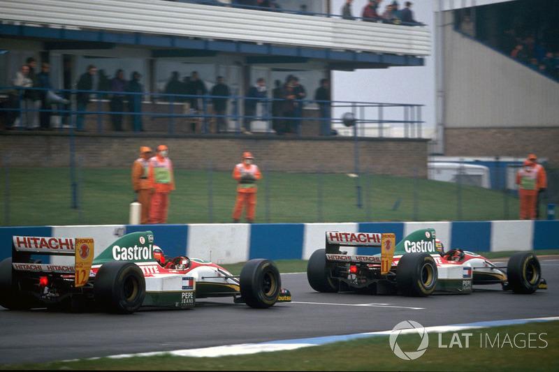 Johnny Herbert, Lotus 107B ve Alessandro Zanardi, Lotus 107B