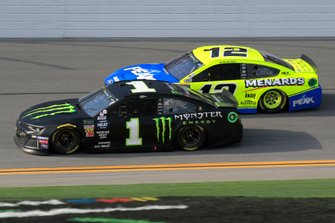 Kurt Busch, Chip Ganassi Racing, Chevrolet Camaro Monster Energy, Ryan Blaney, Team Penske, Ford Mustang Menards/Peak