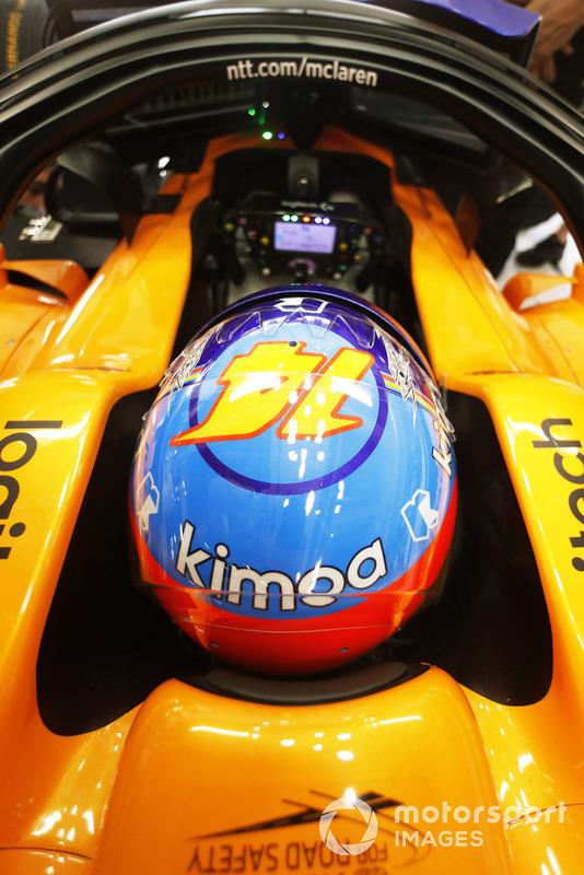 Fernando Alonso, McLaren, in his cockpit