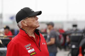 Kyle Busch, Joe Gibbs Racing, Toyota Camry M&M's owner Joe Gibbs