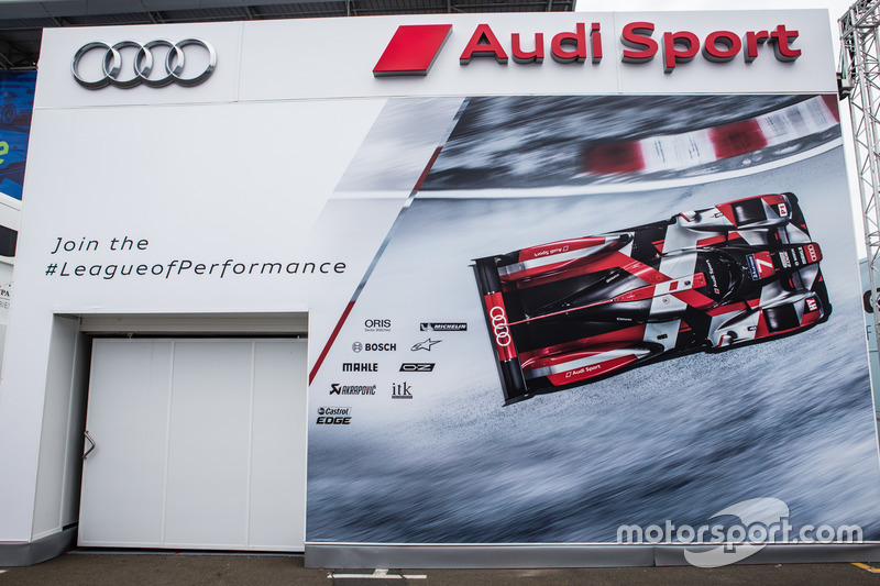 Зона Audi Sport Team Joest
