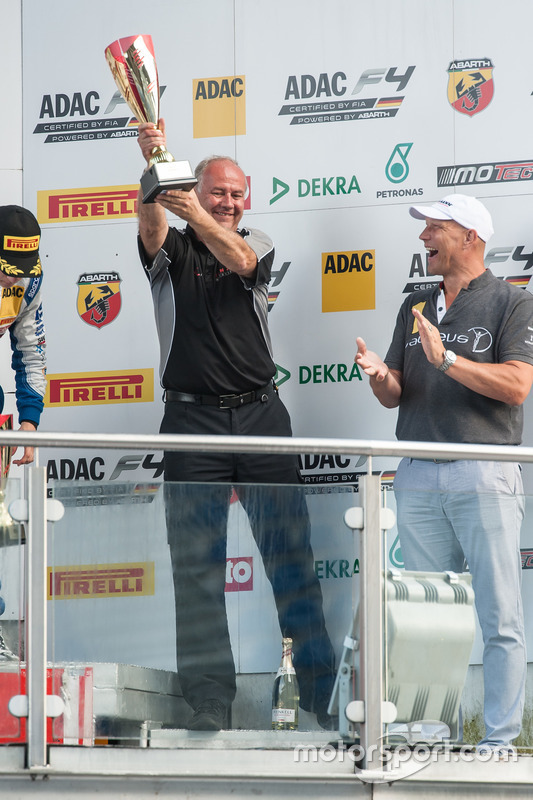 Podium: Andreas Jenzer, Jenzer Motorsport
