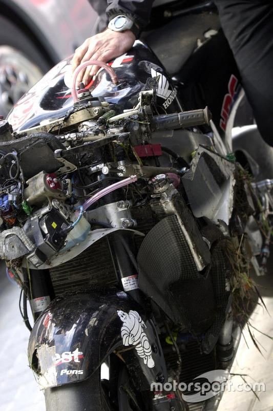Das Bike von Loris Capirossi, Honda Pons, nach Crash