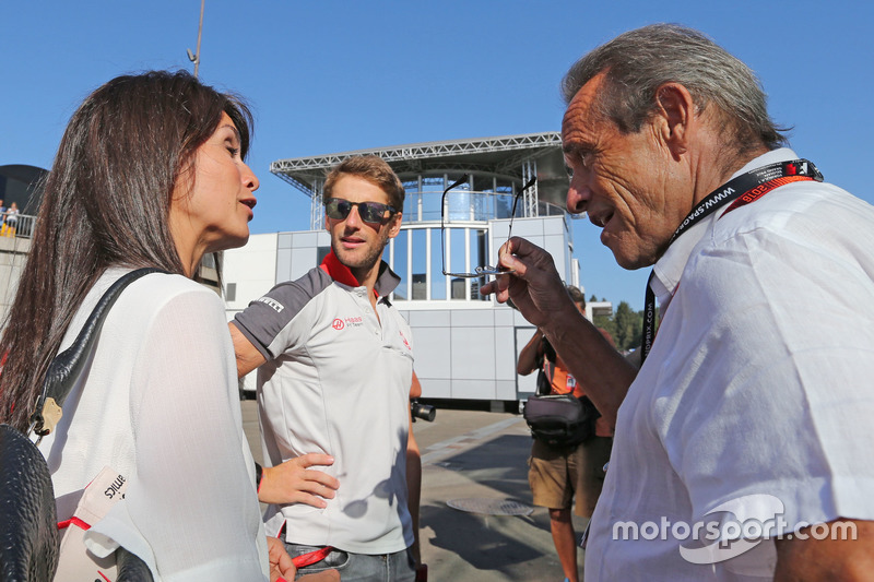 Romain Grosjean, Haas F1 Team and Jacky Ickx,