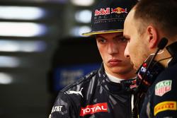 Макс Ферстаппен, Red Bull Racing та Джанп'єтро Ламбазі, інженер Red Bull Racing