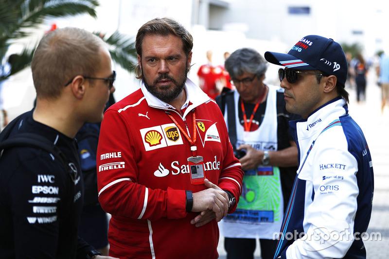 Операційний директор команди Ferrari Джино Рос, Валттері Боттас, Mercedes AMG F1, Феліпе Масса, Williams