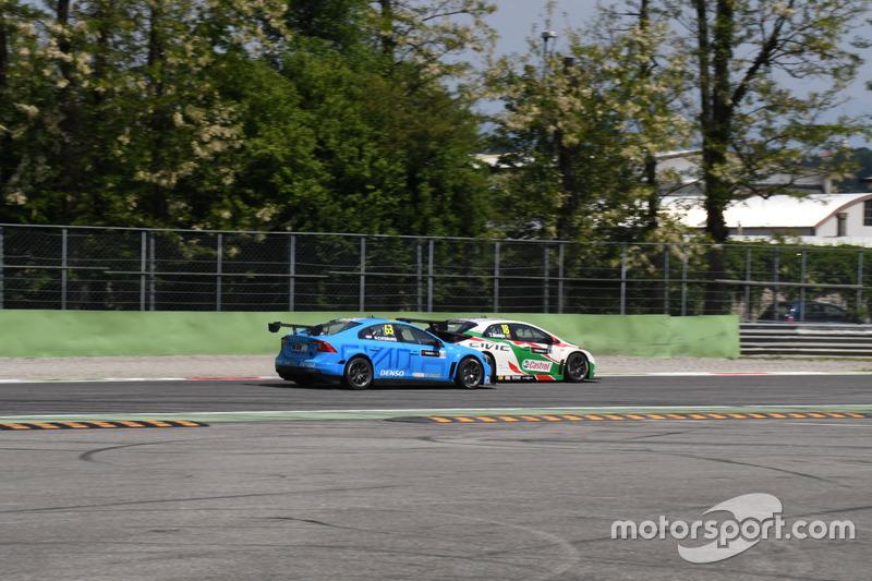 Tiago Monteiro, Castrol Honda World Touring Car Team e Nestor Girolami, Polestar Cyan Racing, in lotta per la posizione
