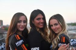 Chicas de Hype Energy Drink
