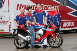 John McGuinness and Guy Martin, Honda Racing with the team