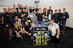 Meister 2017, Josh Files, Target Competition, Honda Civic Type R-TCR und sein Team