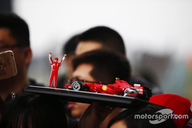 A Ferrari fan in the autograph session