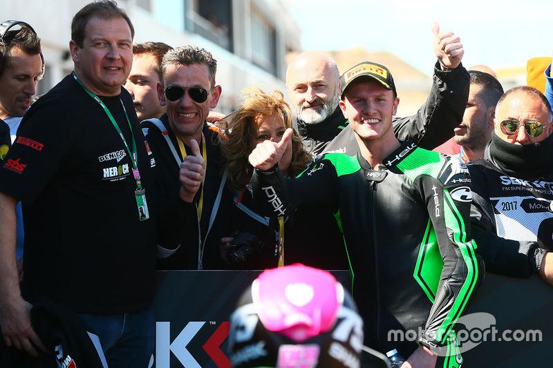 SSP300 ganador de la carrera Scott Deroue, MTM HS Kawasaki