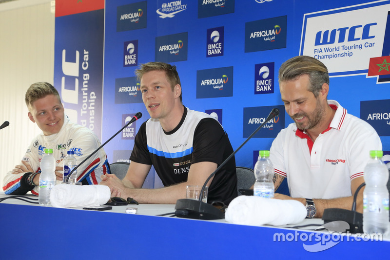 Yann Ehrlacher, RC Motorsport, Lada Vesta; Thed Björk, Polestar Cyan Racing, Volvo S60 Polestar TC1; Tiago Monteiro, Honda Racing Team JAS, Honda Civic WTCC