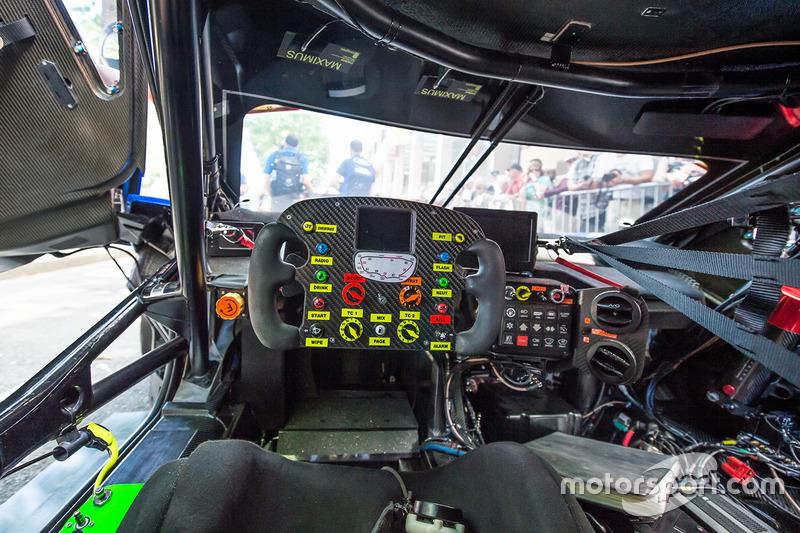 Cockpit: Ford GT