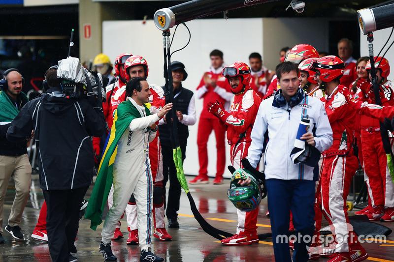 Felipe Massa, Williams aplaudido por Ferrari