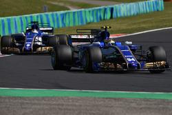 Pascal Wehrlein, Sauber C36, Marcus Ericsson, Sauber C36