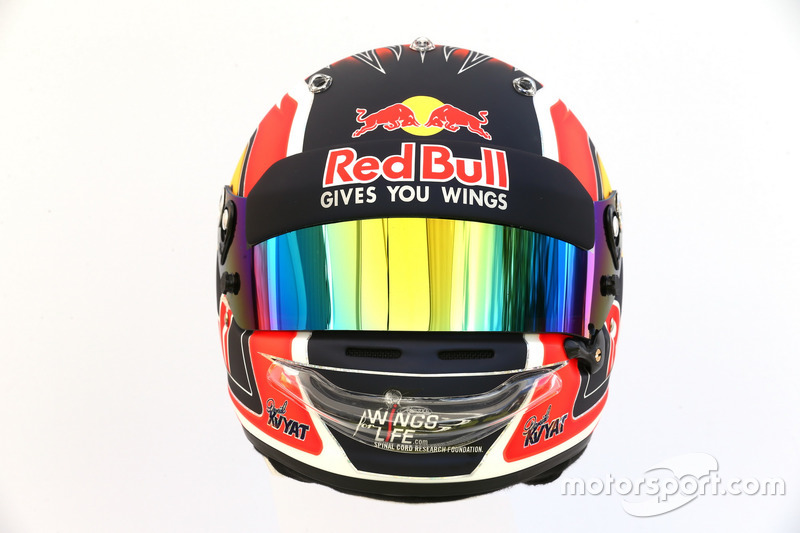 Le casque de Daniil Kvyat, Scuderia Toro Rosso STR12