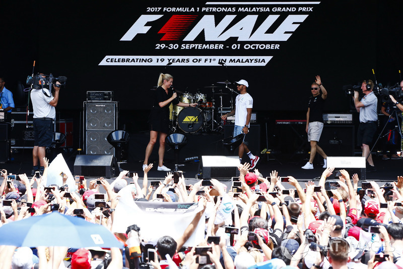 Льюіс Хемілтон та Валттері Боттас, Mercedes AMG F1