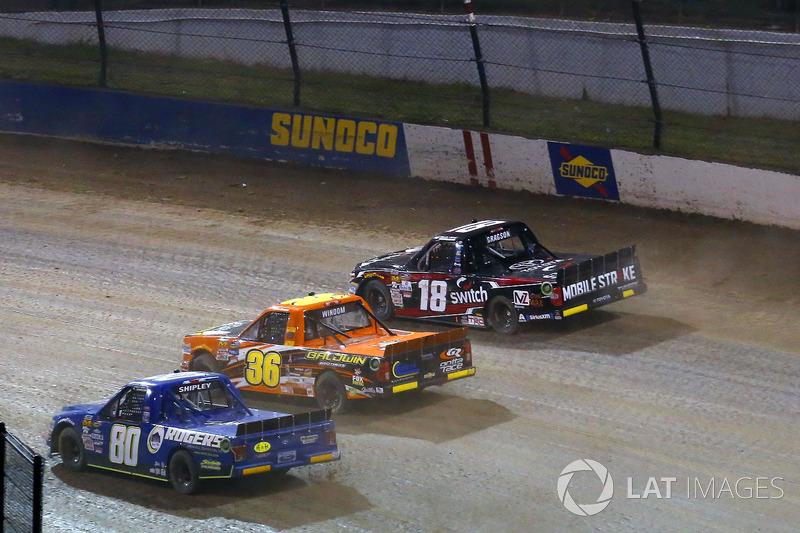 Chris Windom, MB Motorsports Chevrolet y Justin Shipley, Roger's Ford F150