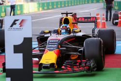 Race winner Daniel Ricciardo, Red Bull Racing RB13 in parc ferme