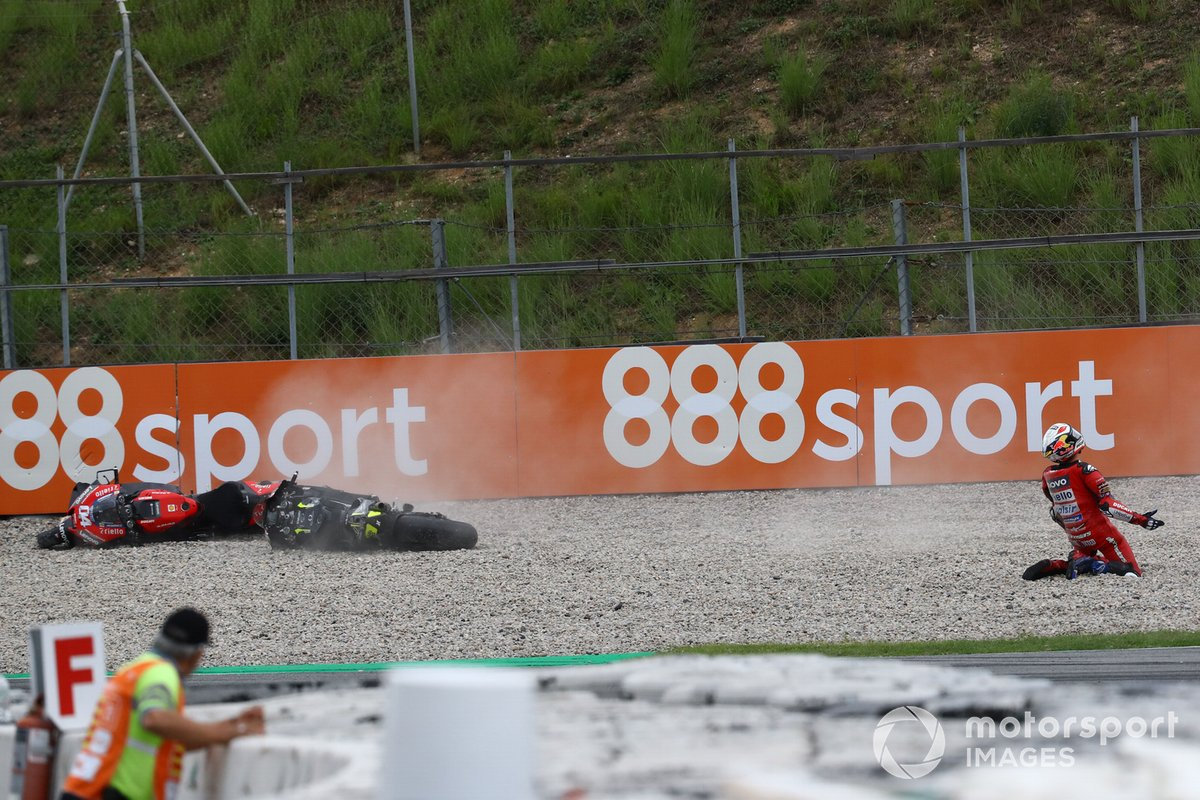 Andrea Dovizioso, Ducati Team, crash