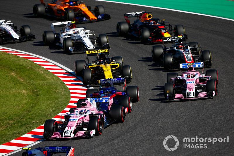 Серхіо Перес, Racing Point Force India VJM11, Естебан Окон, Racing Point Force India VJM11, Карлос Сайнс, Renault Sport F1 Team R.S. 18, Кевін Магнуссен, Haas F1 VF-18, Даніель Ріккардо, Red Bull Racing RB14, Шарль Леклер, Sauber C37, Фернандо Алонсо, McLaren MCL33 та Ленс Стролл, Williams FW41, на старті