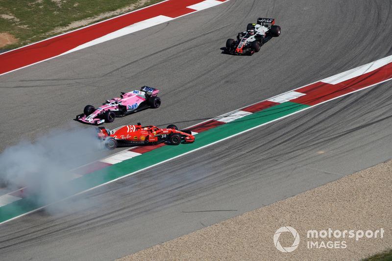 Sebastian Vettel, Ferrari SF71H and Daniel Ricciardo, Red Bull Racing RB14 clash
