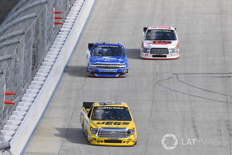 Cody Coughlin, ThorSport Racing, Toyota; Stewart Friesen, Elaine Larsen Motorsports, Chevrolet; Rega