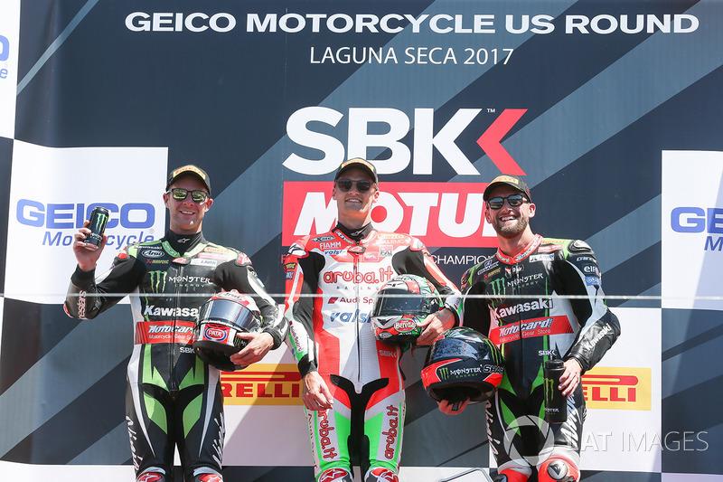 Переможець гонки Чаз Девіс, Ducati Team, друге місце Джонатан Рей, Kawasaki Racing, третє місце Том