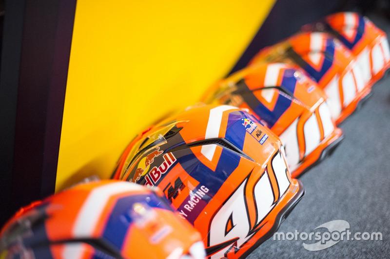 Red Bull KTM Factory Racing, cascos de equipo