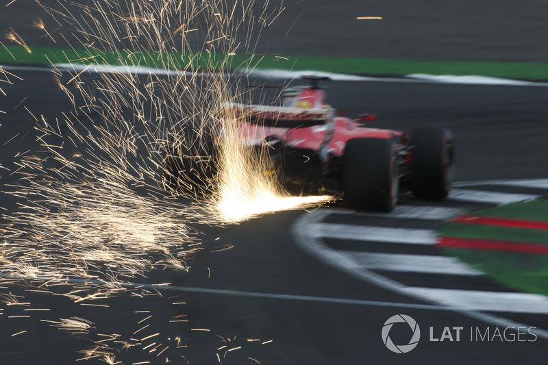 Funkenflug: Sebastian Vettel, Ferrari SF70H