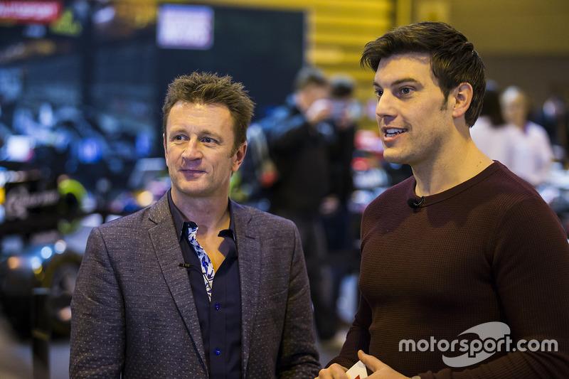 Allan McNish entrevistado en el F1 Racing stand
