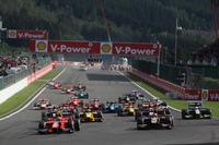 Rio Haryanto memimpin 25 pembalap lain dari pole position